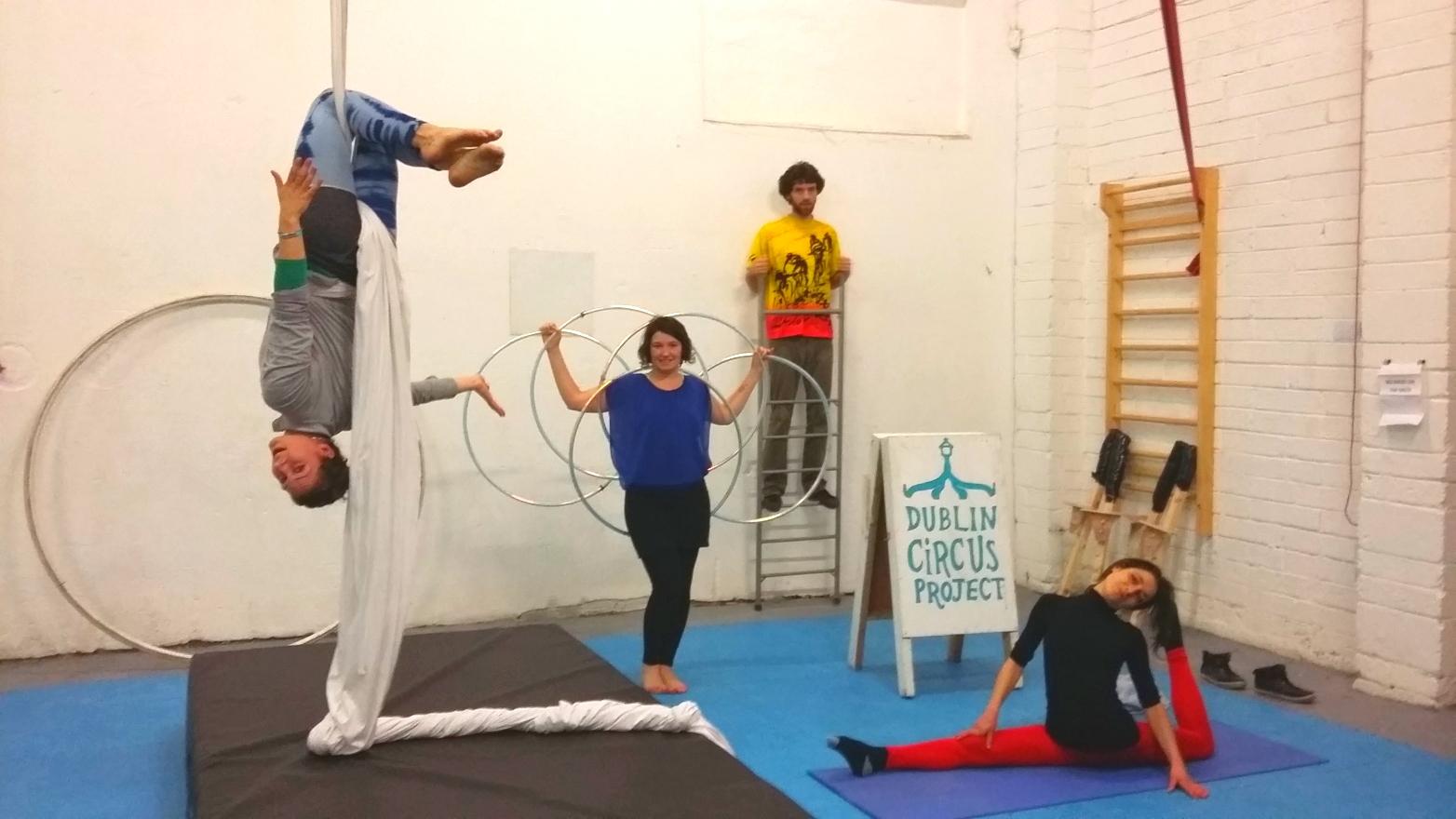 dublin circus centre hula hoop balance aerial silks flexibility